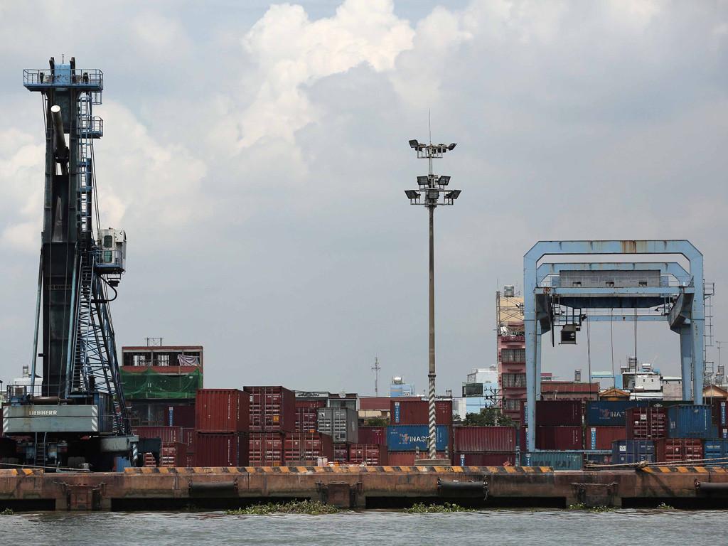 Quyền xuất khẩu, nhập khẩu và phân phối của doanh nghiệp có vốn đầu tư nước ngoài theo cam kết của Việt Nam với WTO